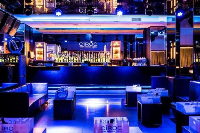 sabato-sera-aperitivo-serata-b38-club-milano-25678-696x464 (1)