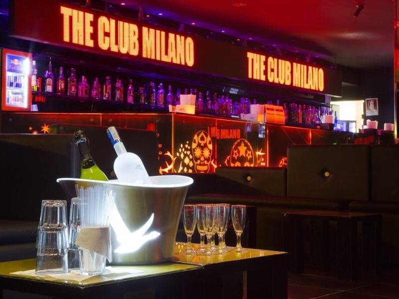 the_club_04